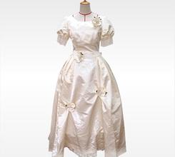 絵本の中から抜け出したような可憐なドレス