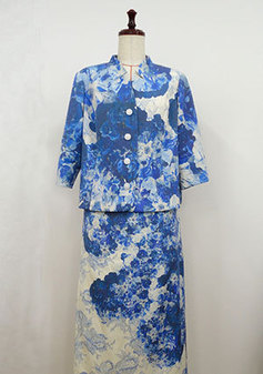 衿が特徴的なデザインのスーツ(3108)