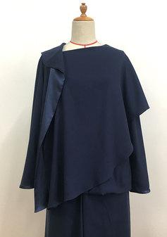 特徴的な衿のブラウス(0210)